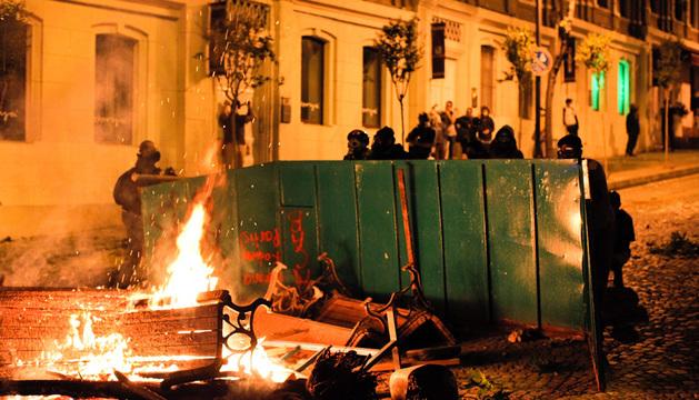 Los peores  disturbios se han registrado en Besiktas, en concreto en el barrio de  Akaretler.