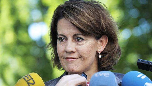 La presidenta del Gobierno de Navarra, Yolanda Barcina, durante las declaraciones a los periodistas en la Universidad Pública de Navarra