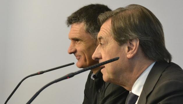 Miguel Archanco y José Luis Mendilibar, durante la rueda de prensa que han concedido