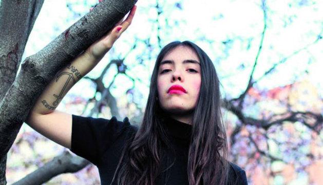 La poetisa Luna Miguel.