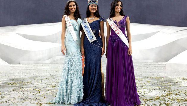Miss Mundo 2012 junto con las dos finalistas.