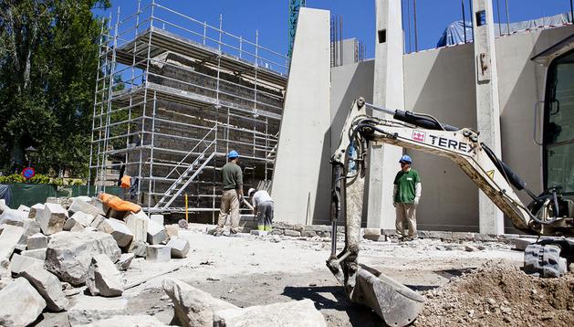 Los trabajos de reconstrucción de la muralla.