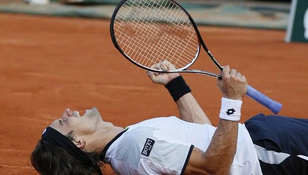 Ferrer celebra su victoria ante Tsonga y el pase a la final de Roland Garros