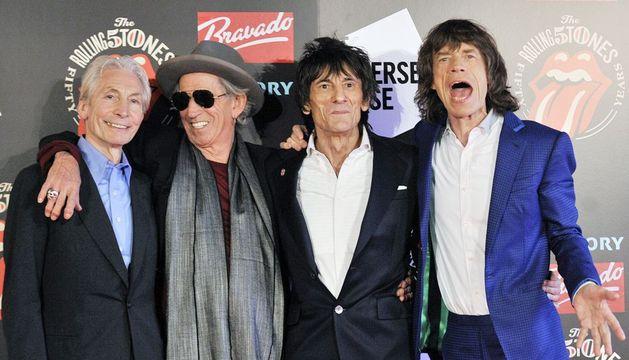Imagen de archivo fechada el 12 de julio de 2012 de los miembros de los Rolling Stones (I-D): Charlie Watts, Keith Richards, Ronnie Wood y Mick Jagger en la Somerset House de Londres.