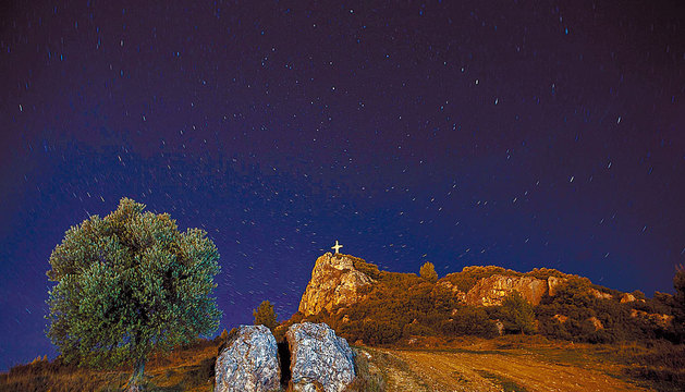 Cámara: Canon EOS 5D Velocidad:  1 / 239  Diafragma: 4  ISO: 100 Lugar Peñaguda es una de las montañas que rodean a la ciudad de Estella.