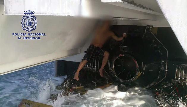 El argelino, de 48 años, viajaba en el patín del ferry que zarpó desde Tánger (Marruecos).