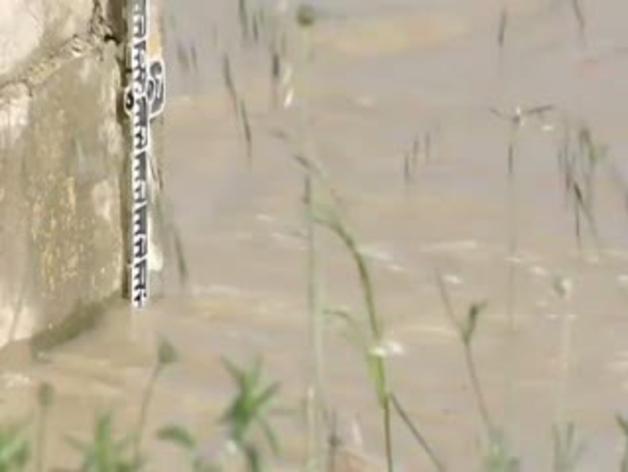 La alerta por las riadas se traslada a la Ribera navarra