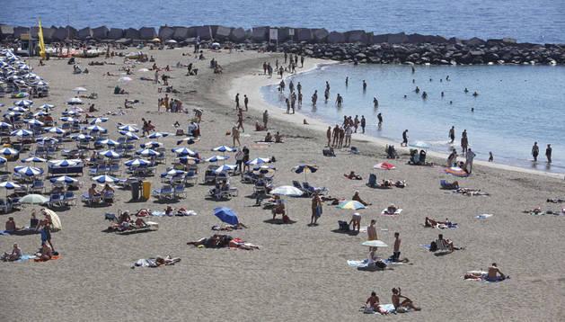 La playa de Los Cristianos, al sur de Tenerife.