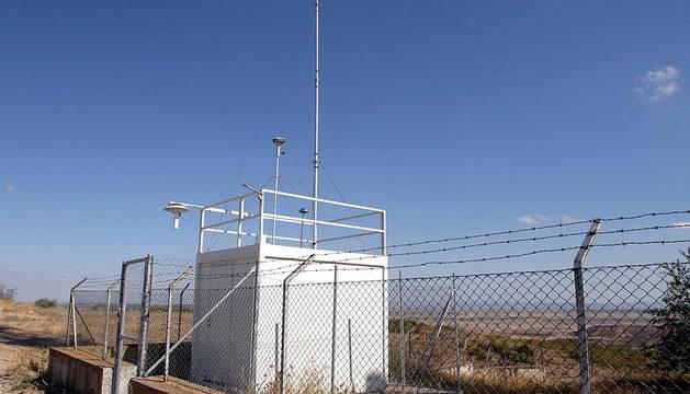 Medidor de Ozono troposférico, junto a la ermita de Arguedas.