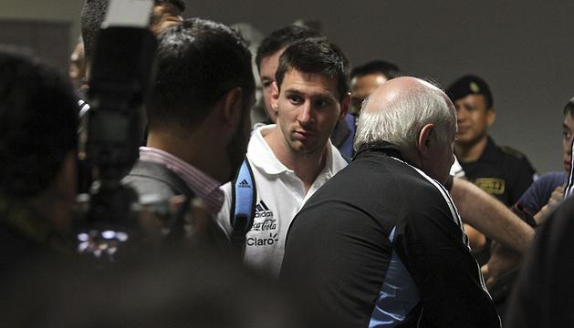 Messi, a su llegada a Guatemala con la selección argentina.
