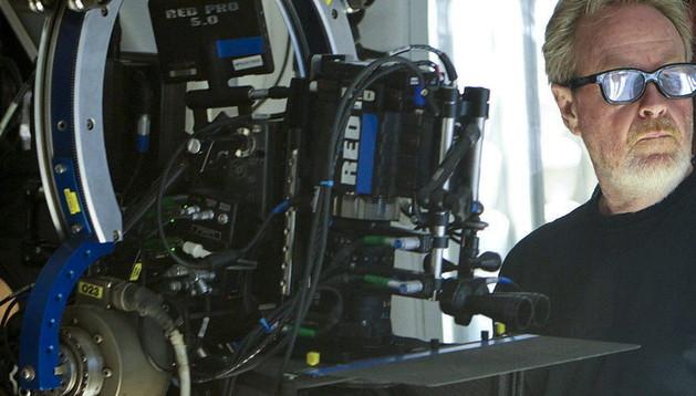 Ridley Scott en el rodaje de una película.