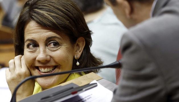 Yolanda Barcina, en el pleno del Parlamento de este jueves.
