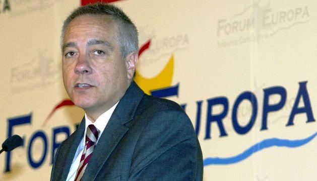El primer secretario del PSC, Pere Navarro, durante su intervención en un desayuno informativo organizado por el Fórum Europa-Tribuna Catalunya.