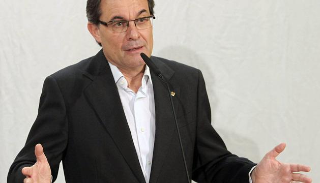 El presidente de la Generalitat y de CDC, Artur Mas, durante su comparecencia ante los medios este sábado.