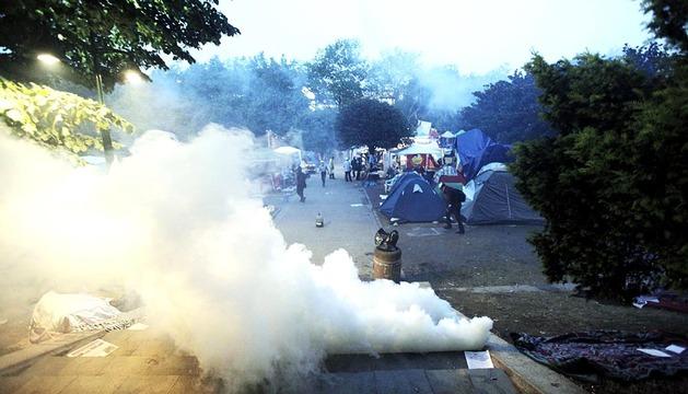 La policía desaloja el parque Gezi