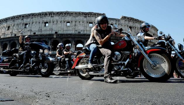 160.000 moteros de Harley-Davidson celebran en Roma el 110 aniversario de la casa.