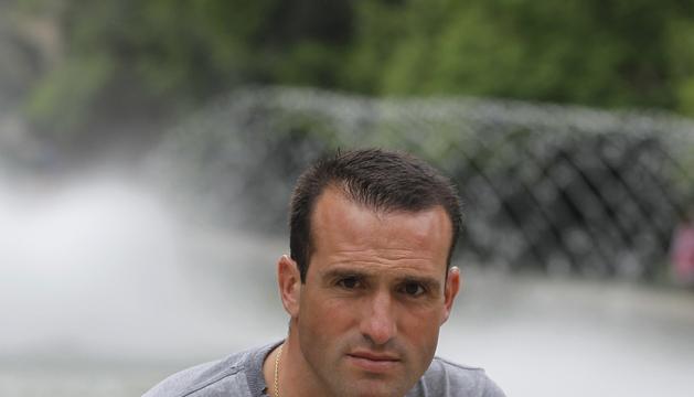 Jose Manuel Mateo, ayer, en la plaza del Conde de Rodezno en Pamplona
