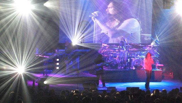 Dream Theater durante un concierto.