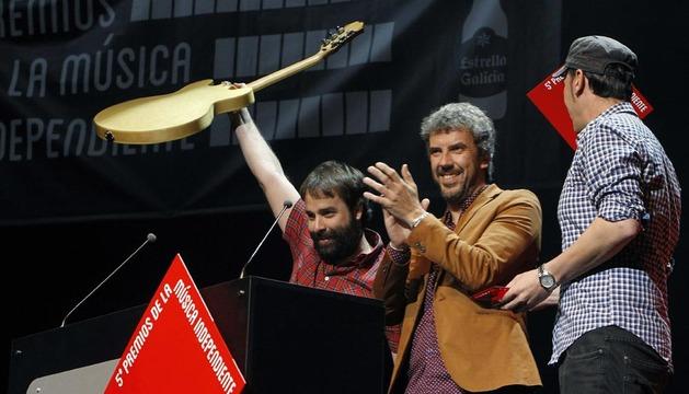 El grupo granadino Niños Mutantes tras recibir el premio al Mejor Álbum del Año