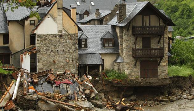 Destrozos causados por el río Garona a su paso por Casarilt, en el Valle de Arán