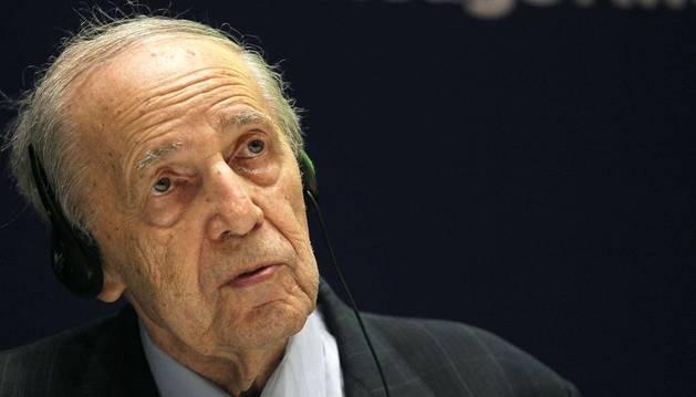 Pierre Boulez, historia viva de la música contemporánea, compositor y director de orquesta.