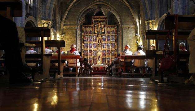 La Iglesia de Santa María La Real de Olite exhibe un retablo mayor de estilo renacentista colocado en 1528, obra del pintor Pedro de Aponte