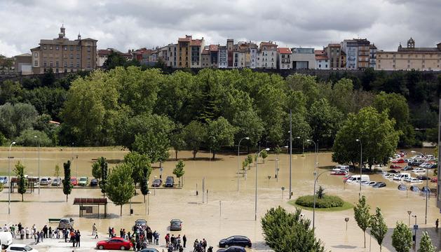 Crecida del río Arga el pasado día 9, a la altura del barrio de la Rochapea.