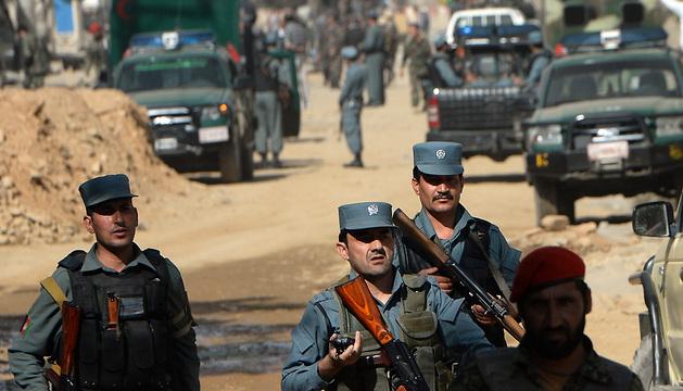 Fuerzas de seguridad en las inmediaciones del Palacio Presidencial.