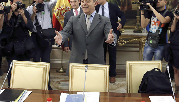 El ministro de Educación, Cultura y Deportes, José Ignacio Wert, momentos antes de la reunión que mantuvo este martes con los responsables autonómicos de política universitaria.