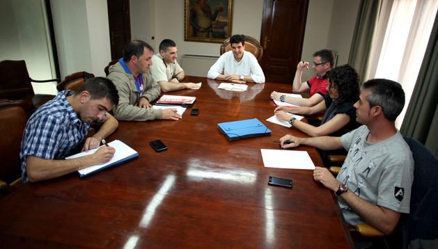 Reunión del comité de empresa con el alcalde de tudela