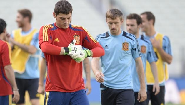 Casillas, que podría ser titular hoy, junto a Monreal