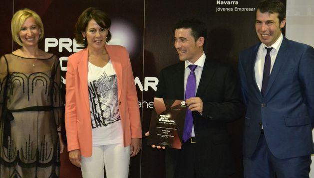 Ramón Sola recibe el Premio Joven Empresario.