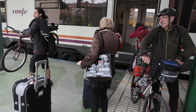 Renfe suprime cinco trenes de media distancia en Navarra por su escasa ocupación