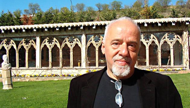 El escritor brasileño, Paulo Coelho