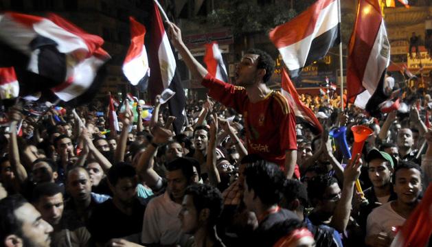 Opositores del presidente Mohamed Mursi piden en El Cairo la renuncia del mandatario egipcio.