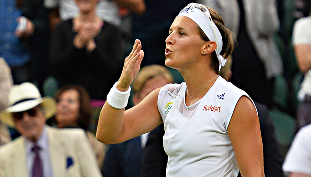 La belga Kirsten Flipkens celebra su triunfo en cuartos ante la checa Petra Kvitova