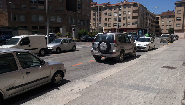 El barrio de Azpilagaña, con plazas libres de aparcamiento este 6 de julio