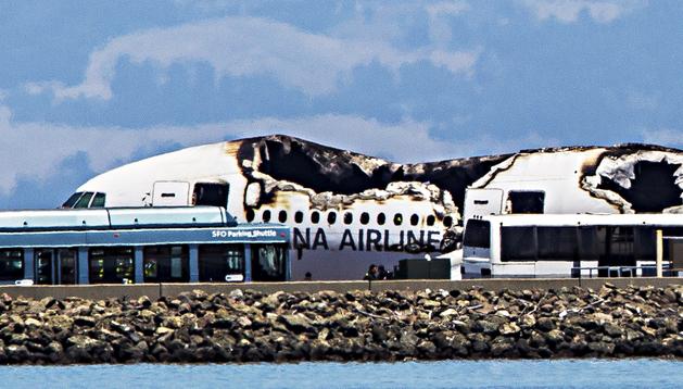 Estado en el que quedó el vuelo de Asian Airlines estrellado en San Francisco