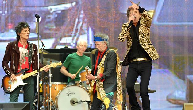 Los Rolling Stones, durante el concierto en el parque londinense de Hyde Park