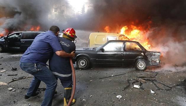 Explosión de un vehículo bomba este martes en Bir al Abed, un barrio del sur de Beirut.