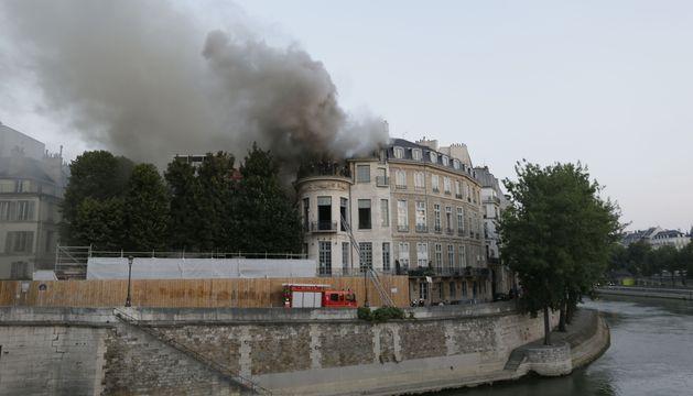 Incendio en un  palacete del siglo XVII del centro de París.