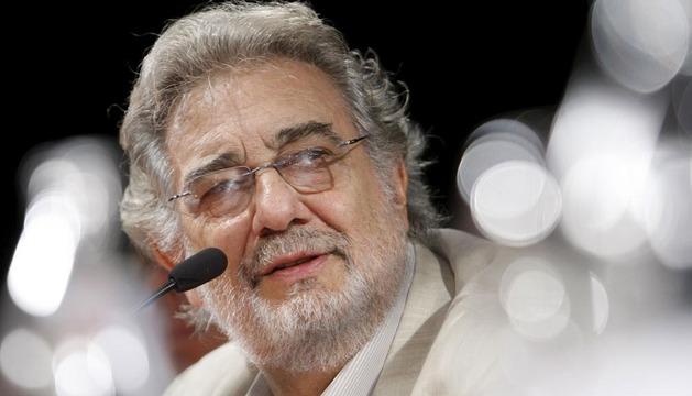 Plácido Domingo, en una rueda de prensa de 2010