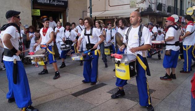 Espectáculo de percusión en los Sanfermines de 2012