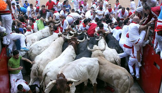 El montón en la plaza de toros.