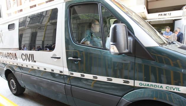 El furgón de la Guardia Civil en el que ha llegado Luis Bárcenas a la Audiencia