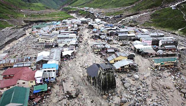 Imagen tomada el 18 de junio de 2013 de las inundaciones en la ciudad de Kedarnath, en el norte de Uttarakhand (India).