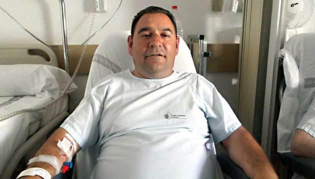El camionero de Toledo Ángel Damián Ludeña Cudero, este martes por la mañana en el Hospital de Navarra.
