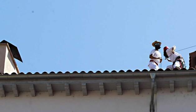 Boicot en el Chupinazo con una ikurriña gigante.