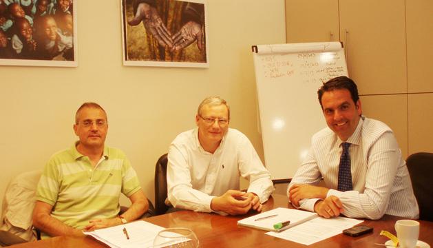De izquierda a derecha, Miguel Ángel de la Iglesia, Mauro Gogorcena y el consejero Alli