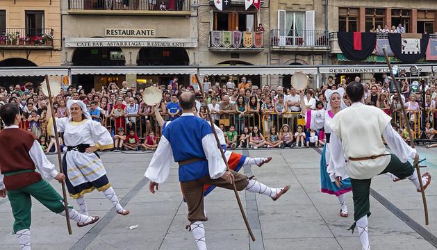 Espectáculo de danza en la semana medieval de Estella de 2013